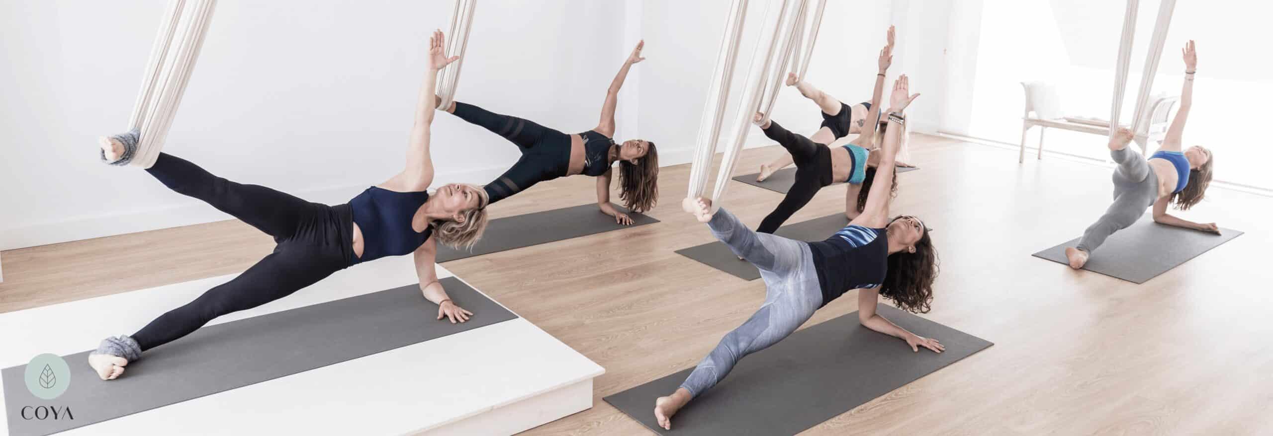 Ένα μάθημα Aerial Yoga