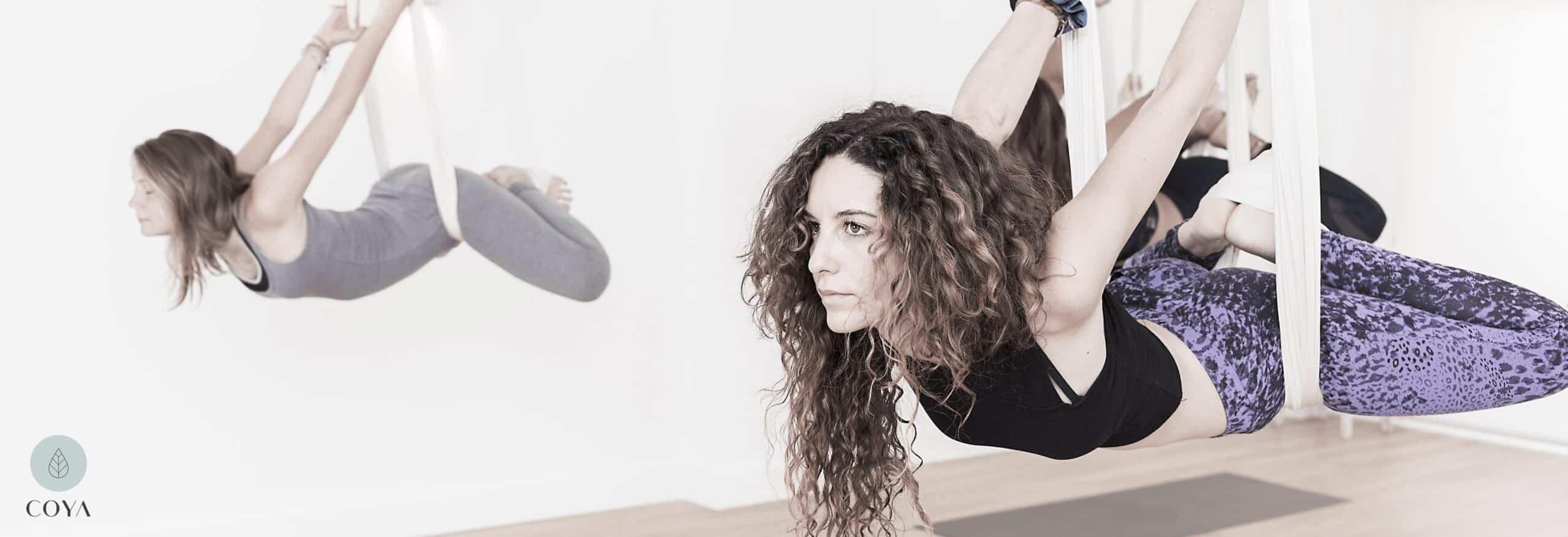 Ένα πλήρες μάθημα Aerial Yoga