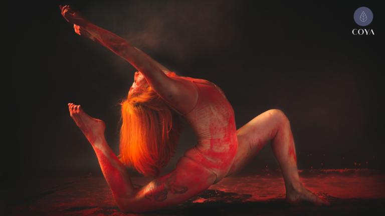 Bikram Yoga: Τι είναι και πώς επηρεάζει την υγεία